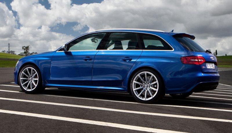 Audi RS4 Fotos