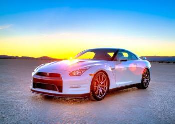 2014 Nissan GT-R foto